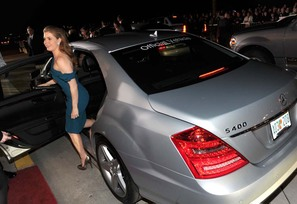 Actress Amy Adams arrives in a Mercedes-Benz S400 Hybrid